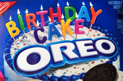 Review Limited Edition Birthday Cake Oreos Awkward Mondays